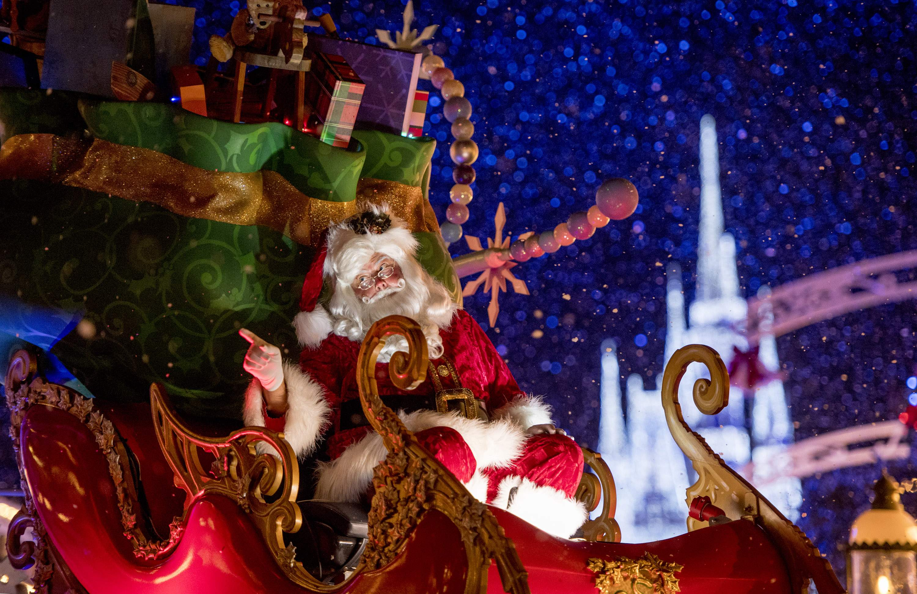 Christmas Theme Park.A Guide To Holiday Events At Disney Universal Busch