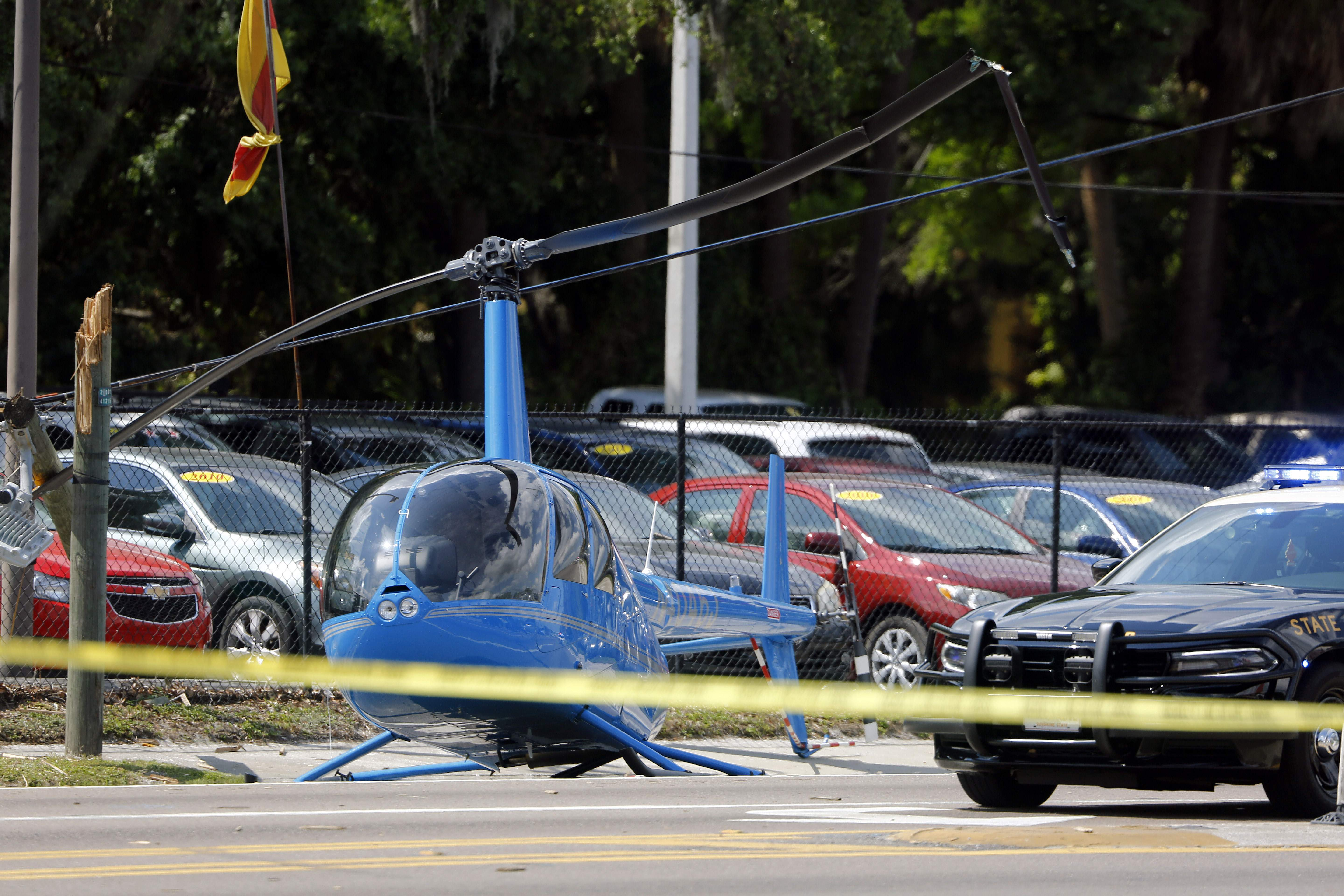 VIDEO: Watch a helicopter crash land on a busy Tampa road
