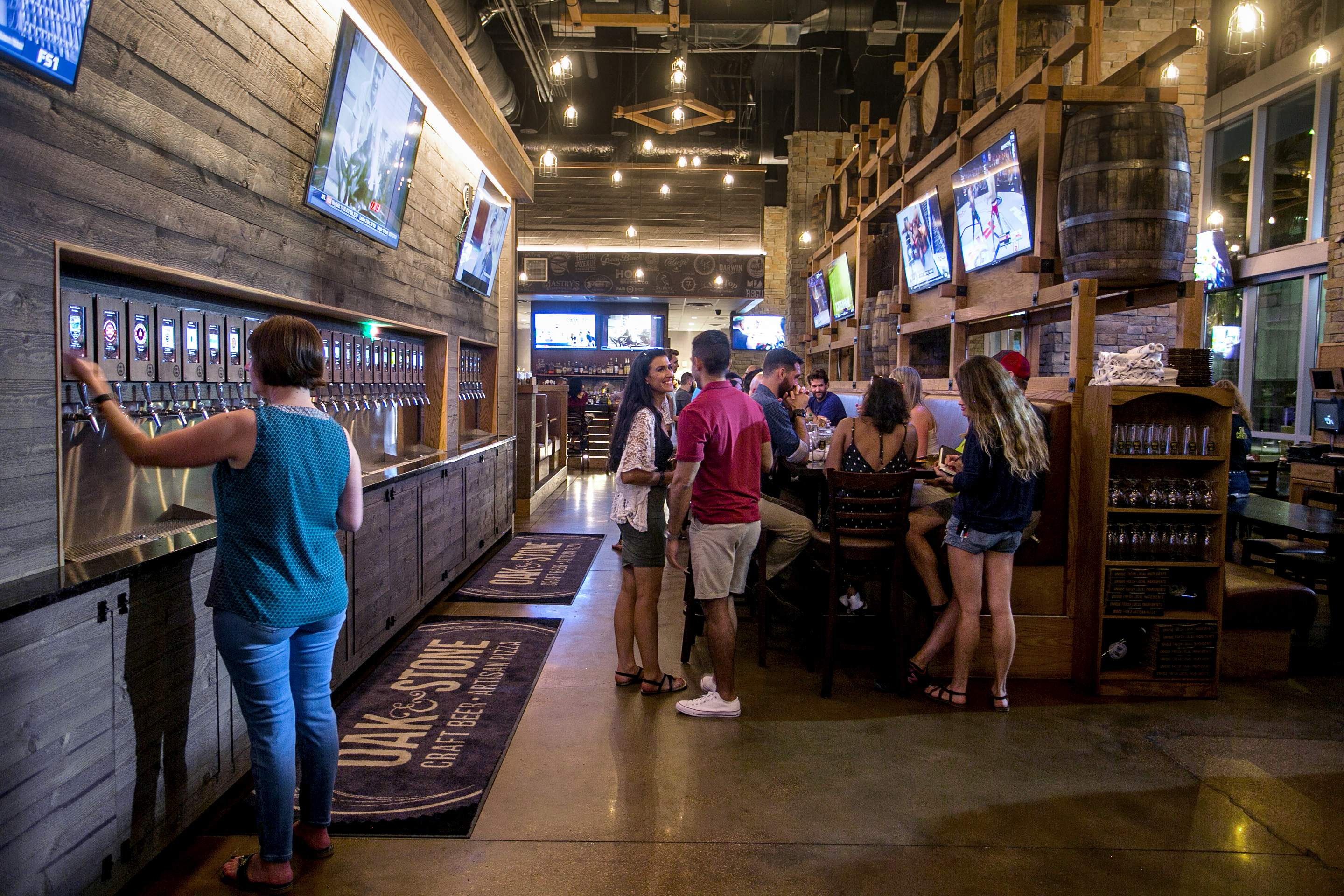 Restaurant Review Oak Stone Brings A Lot To An Already