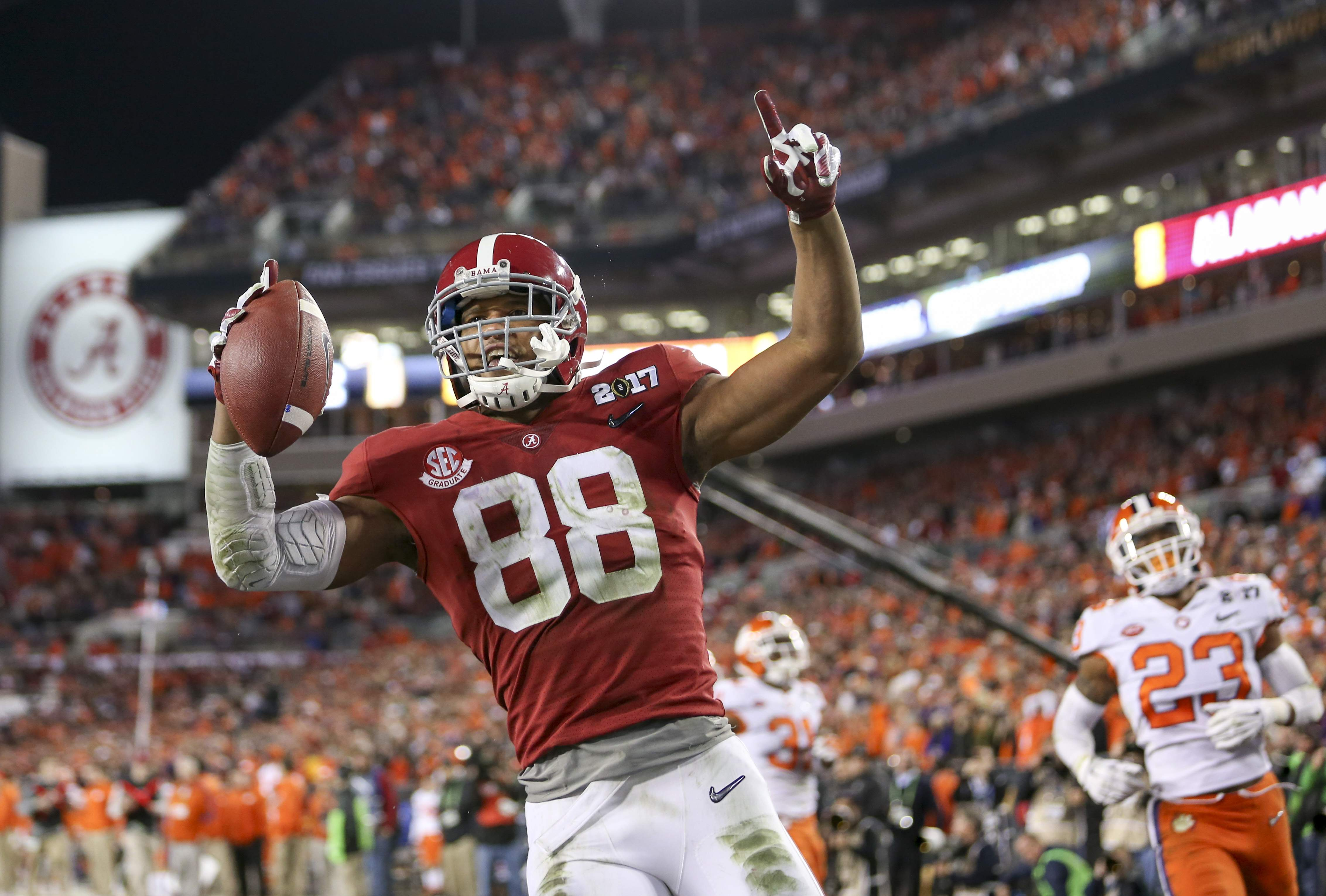 info for 26873 41620 Bucs select Alabama tight end O.J. Howard in the first round ...