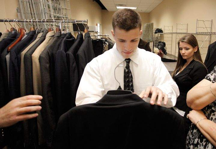 Suit A Bull Loans Usf Students Business Clothing For Interviews