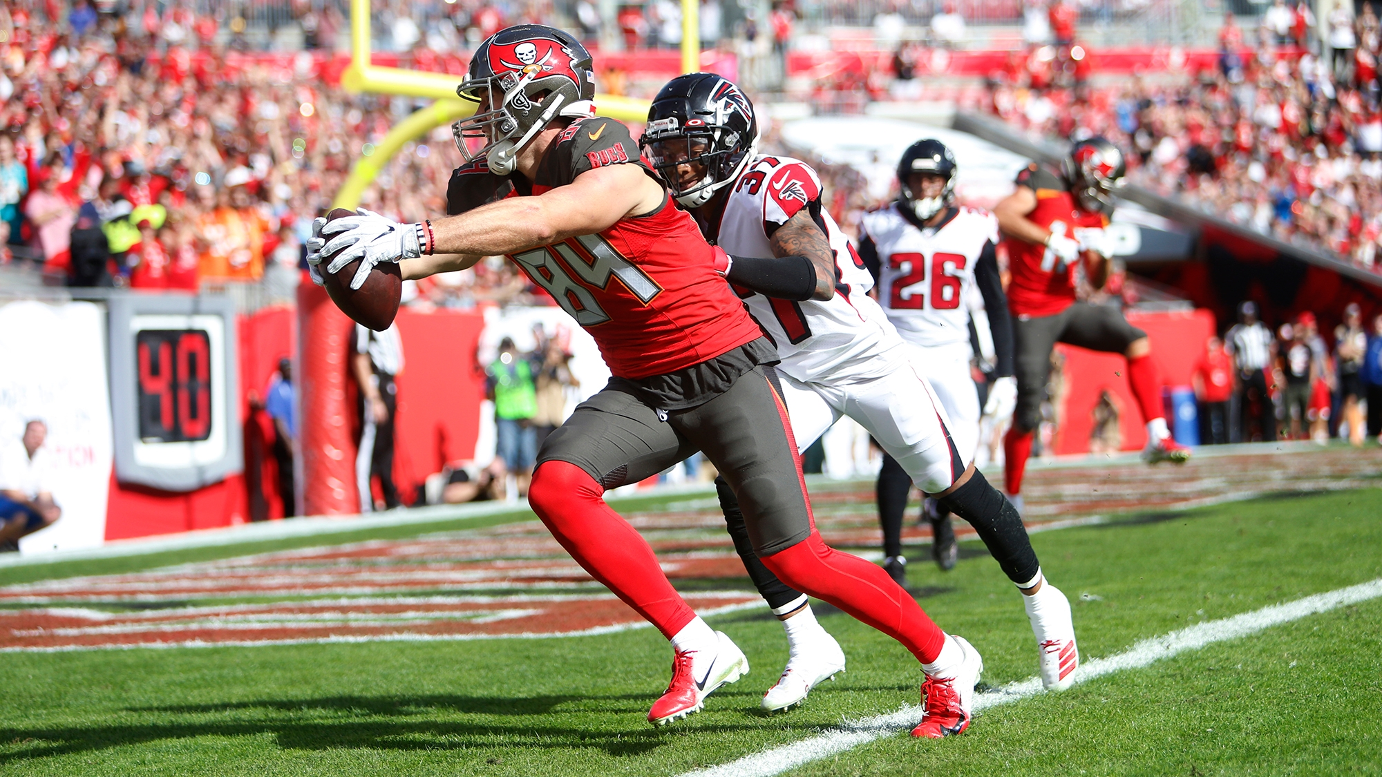Bucs keep Cameron Brate with restructured contract