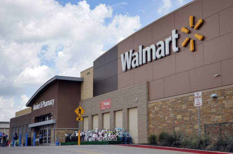 Now Walmart wants employees to deliver packages on their way