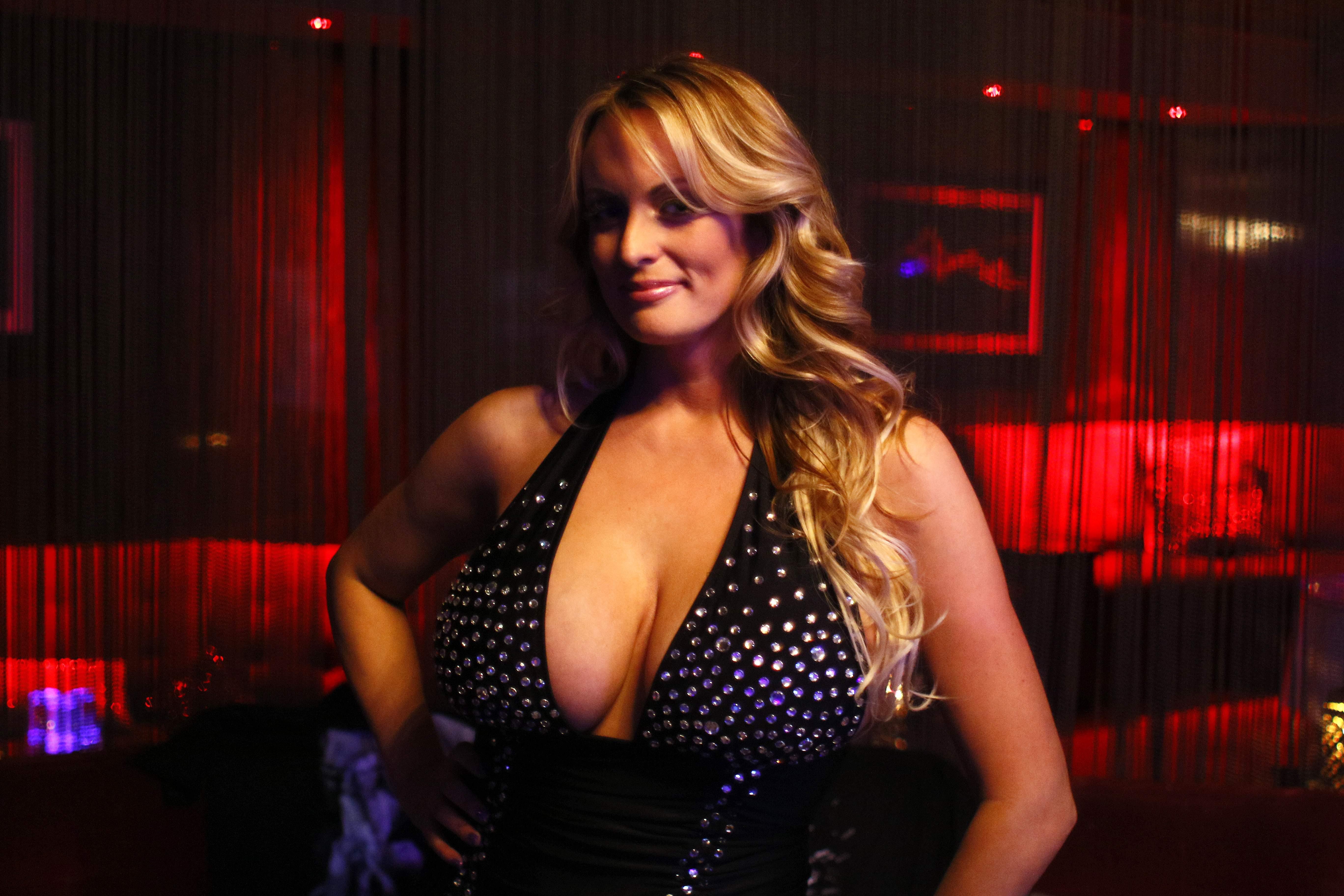 Strip club porn