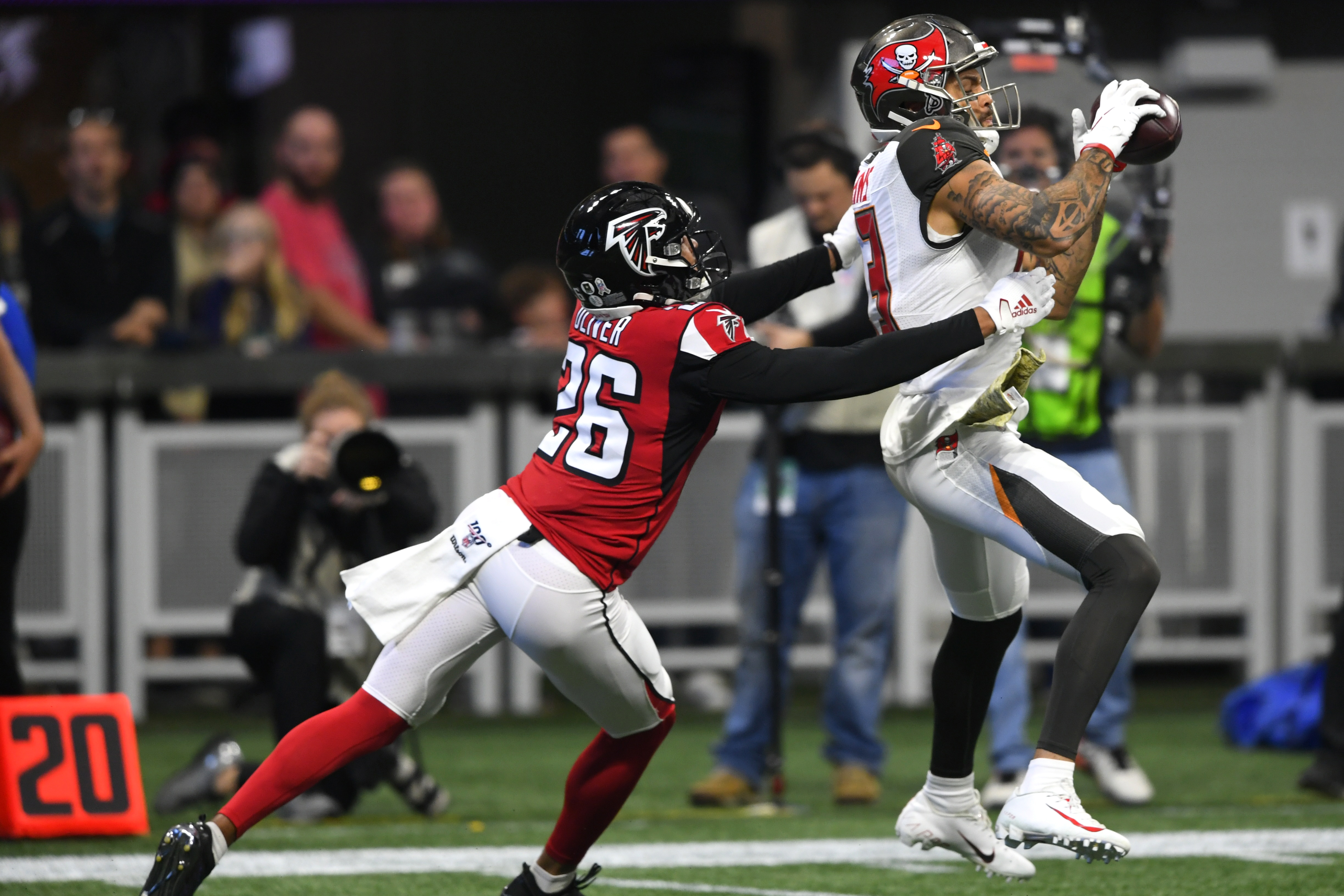 Mike Evans Makes History With His First Catch Vs Falcons