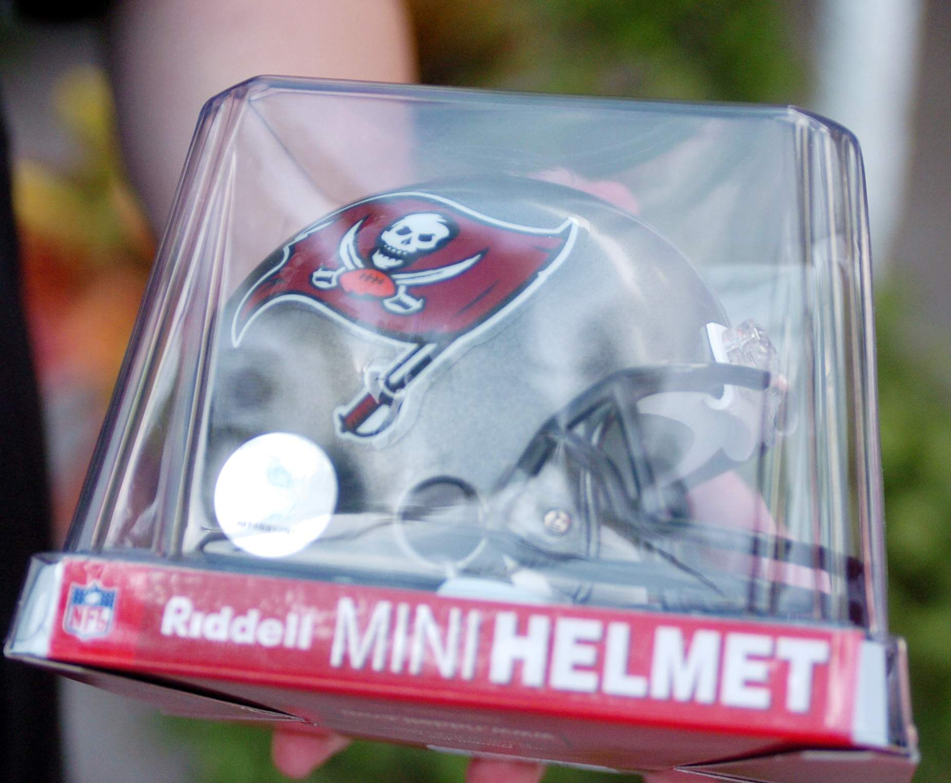reputable site 76791 7acd9 Tampa Bay Bucs bring on Fanatics to sell their team merchandise