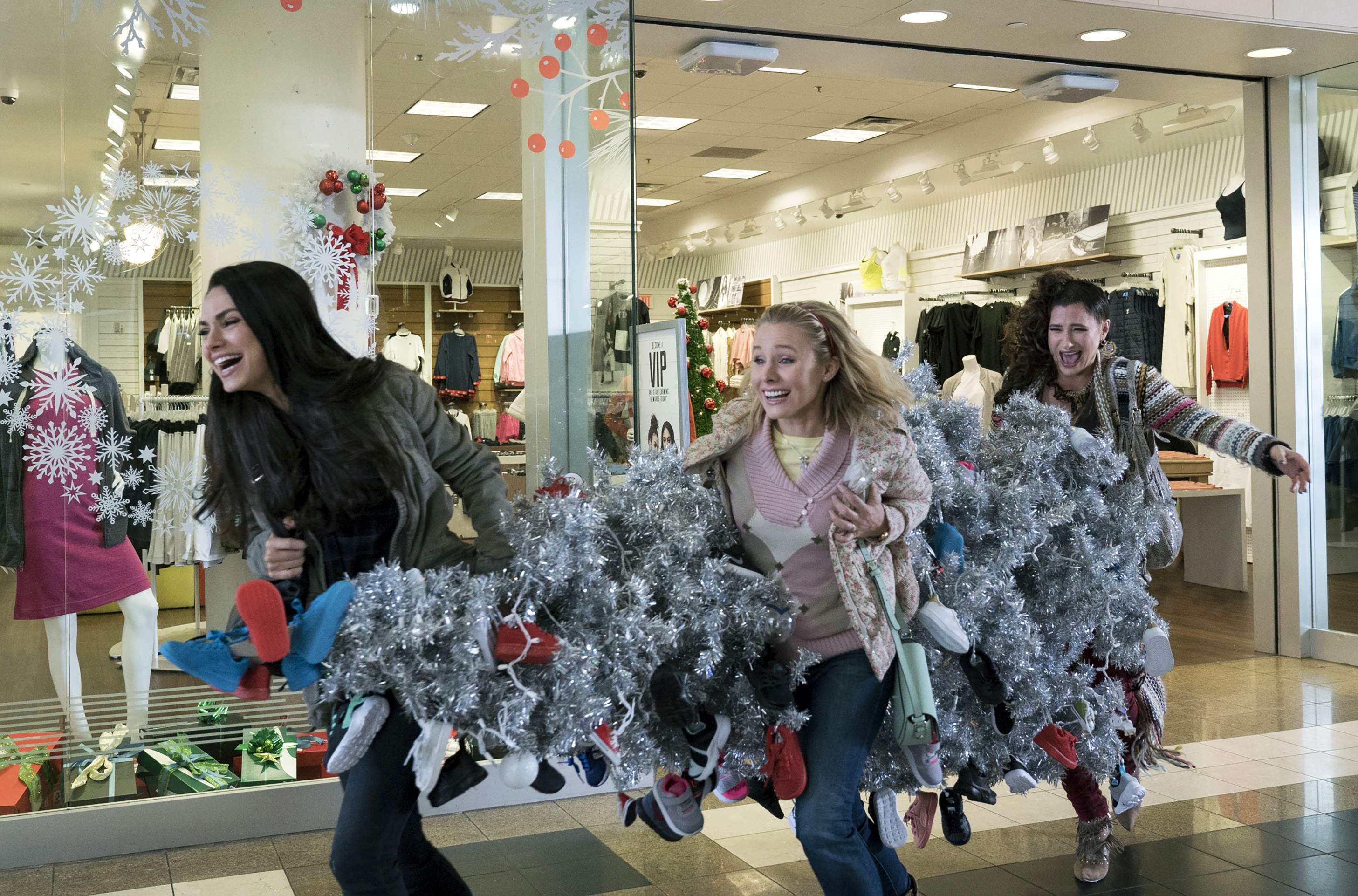The Spirit Of Christmas Cast.A Bad Moms Christmas Has The Right Cast But The Wrong Spirit