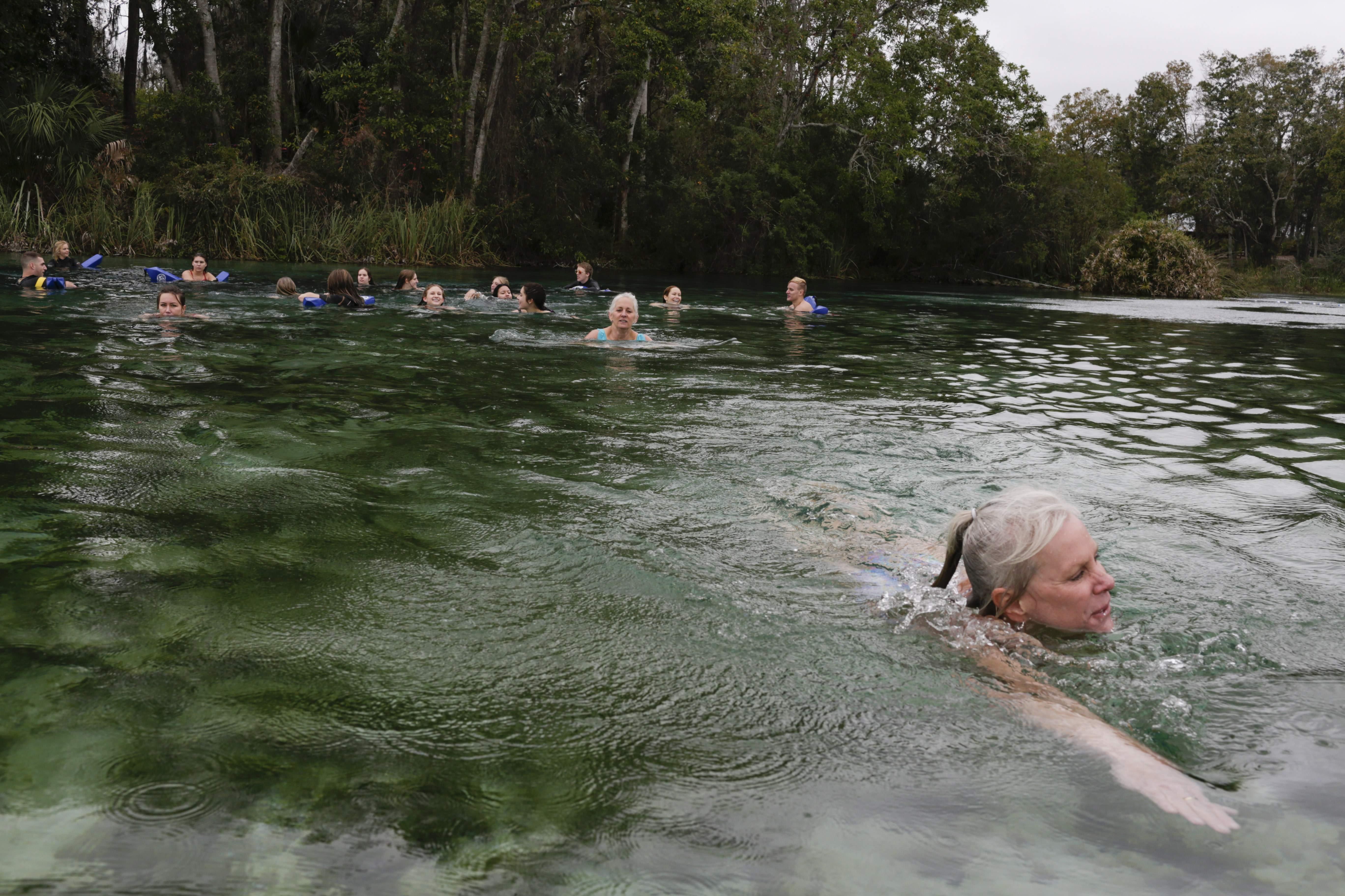 Dozens of hopefuls brave cold during Weeki Wachee mermaid
