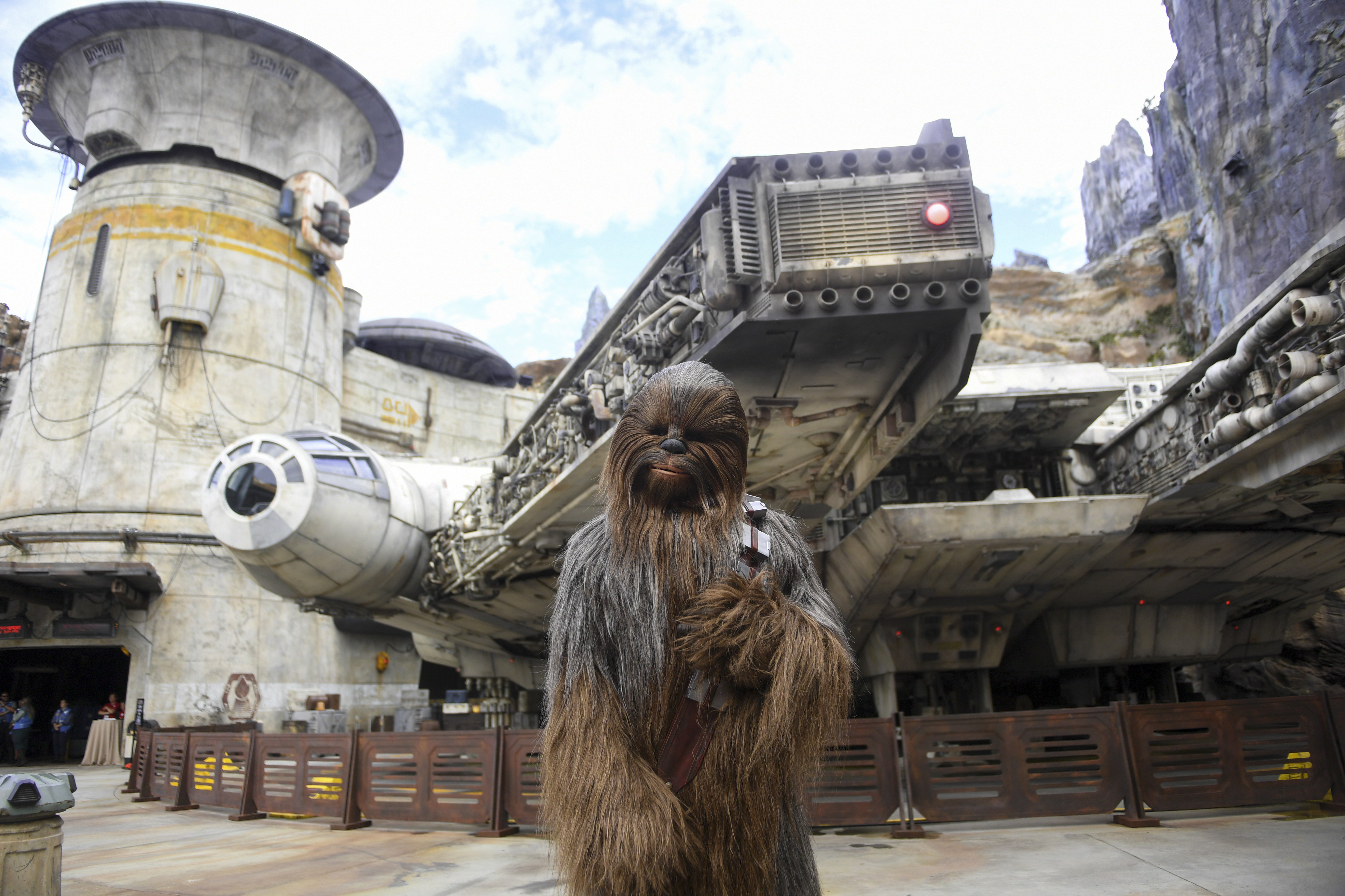 Disney S Star Wars Land Opened As Dorian Approached Keeping