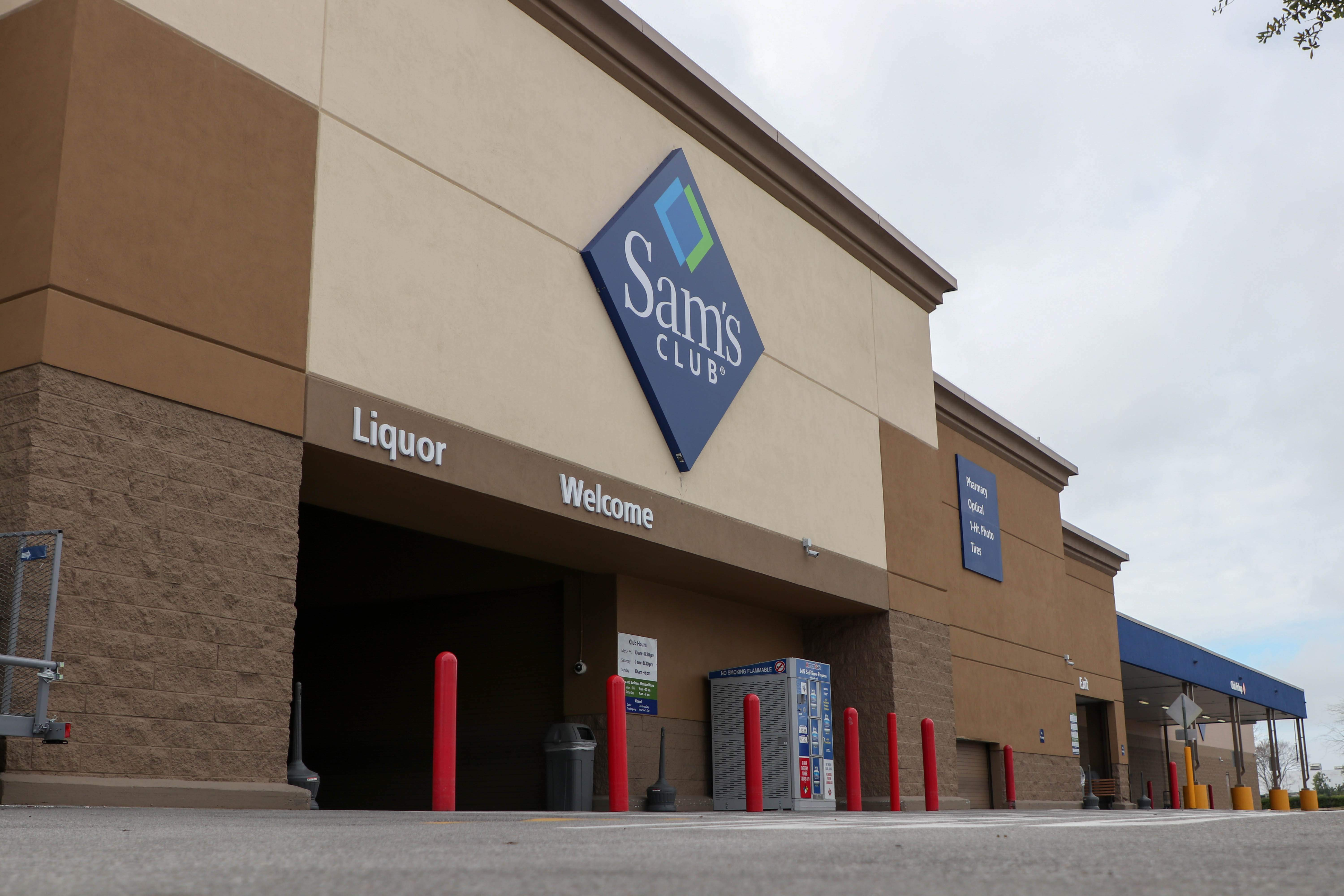 Sams Club Sunday Hours >> South Tampa Sam S Club Is Shuttered As Company Announces