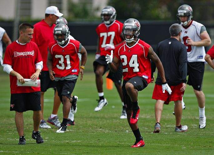 finest selection 4b5b7 a4e28 Tampa Bay Bucs may be close to a contract with top draft ...
