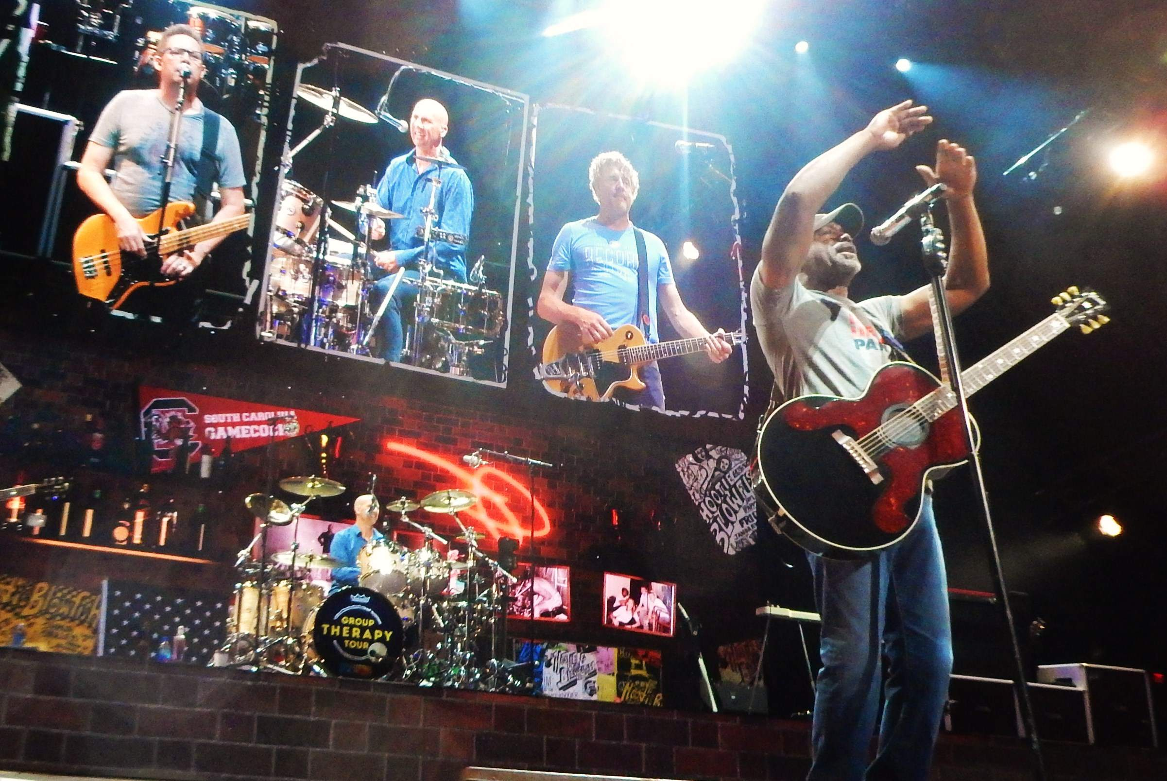 Review Hootie And The Blowfish Embrace Their Refreshed