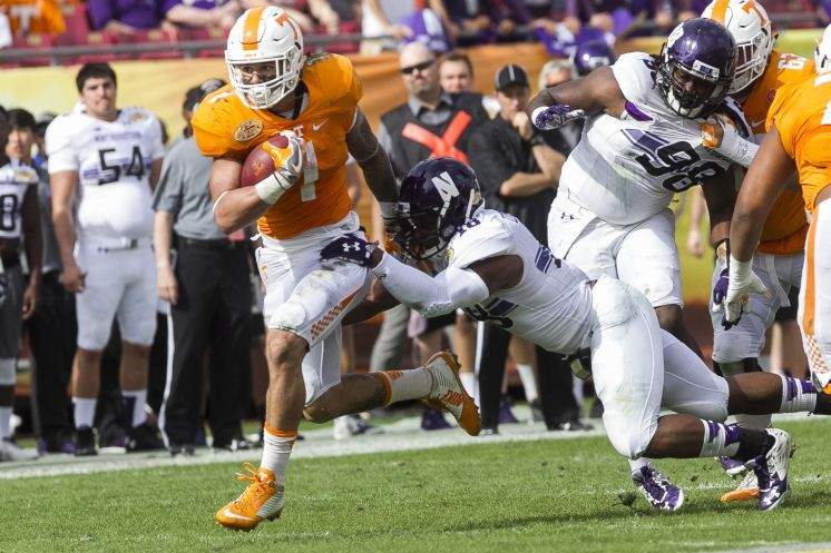 Tennessee runs over Northwestern in Outback Bowl