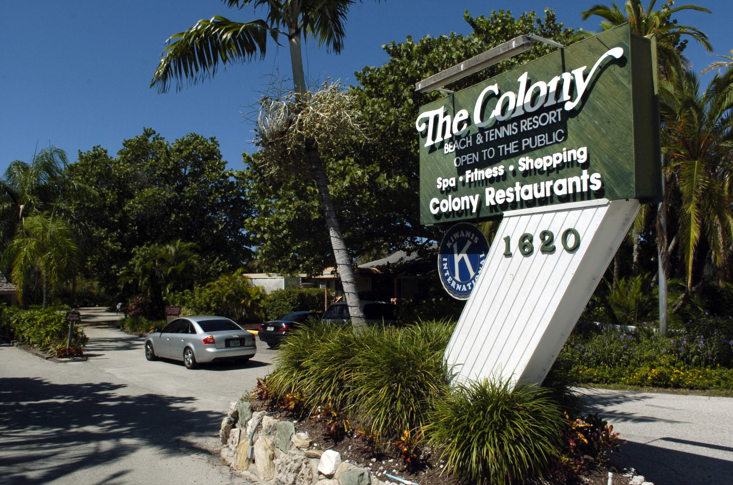 Dilapidated Colony Resort in Longboat Key slated for demolition
