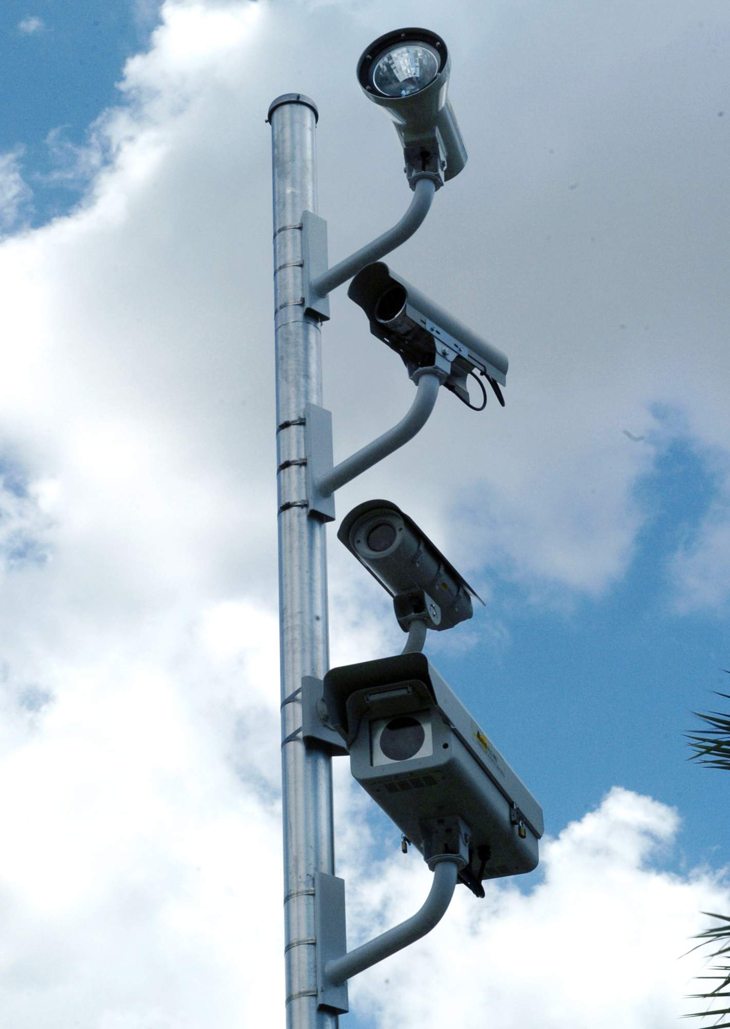 Red-light camera challenge gets rough ride at state Supreme