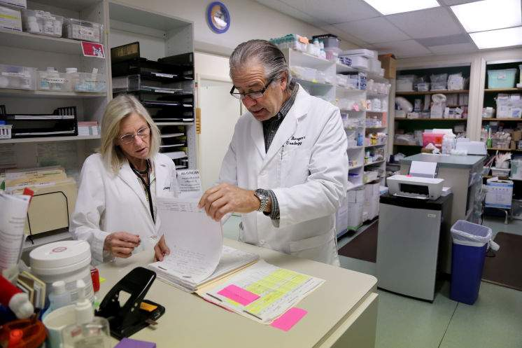 Lawmakers look to free clinics as health care solution