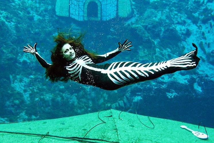 Weeki Wachee Halloween 2020 Stay busy with creepy haunts, scary mermaids or just family