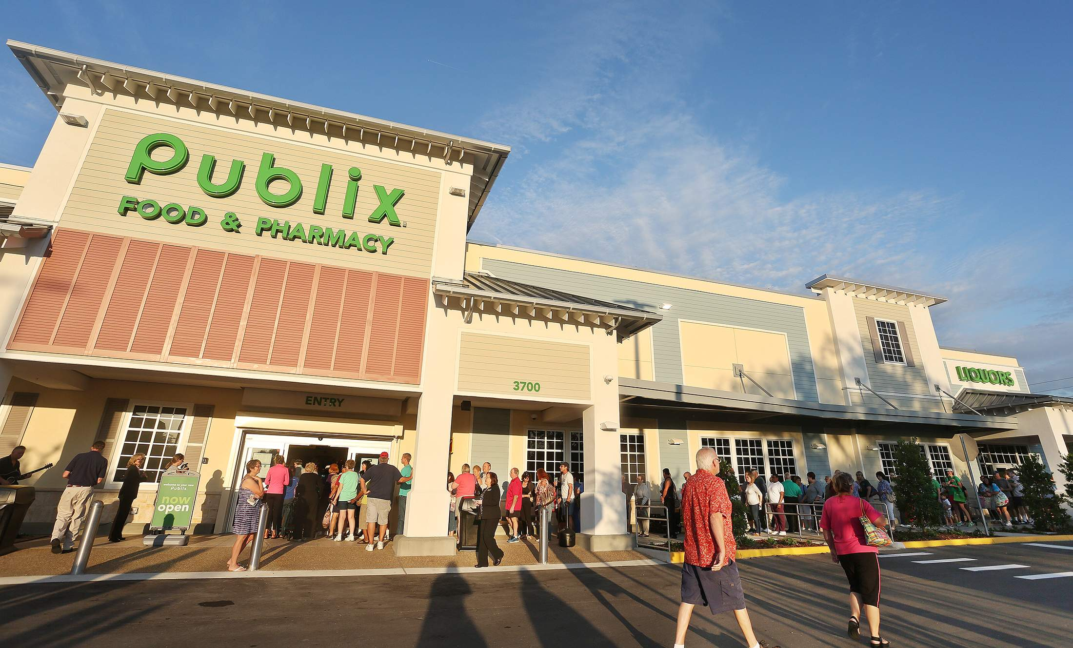 81-year-old woman sues Publix, says she felt threatened by