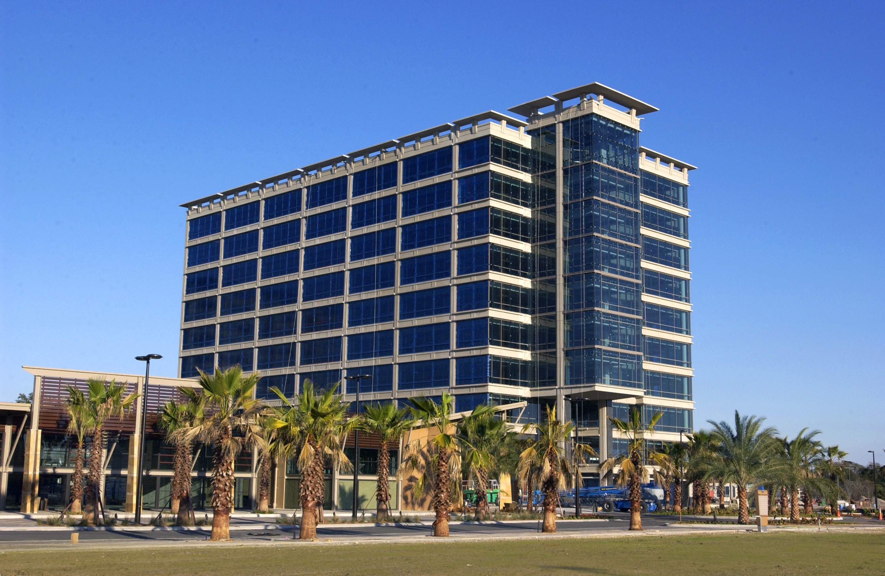 PricewaterhouseCoopers adding 350 new jobs in Tampa Bay